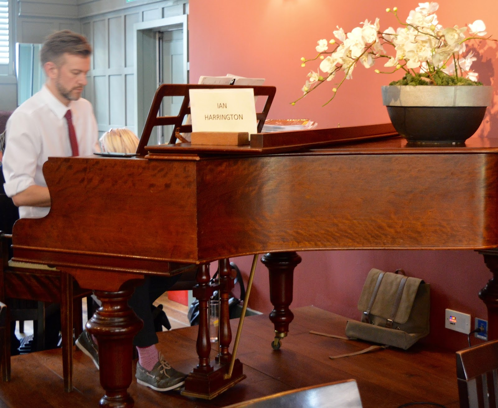 Family Sunday Lunch at The Cherry Tree Restaurant, Jesmond | A Review - Pianist Ian Harrington
