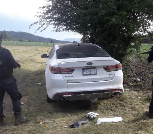 Asegura SSP dos vehículos con reporte de robo y más de 100 cartuchos, en Zinapécuaro