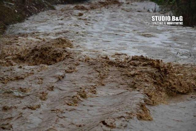 """Ο """"Γυρηόνης"""" σφυροκοπά την Αργολίδα - Μεγάλη προσοχή σε ποτάμια ρέματα και ιρλανδικές διαβάσεις"""