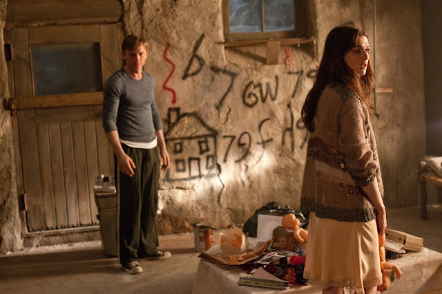 Fotograma: Detrás de las paredes (2011)