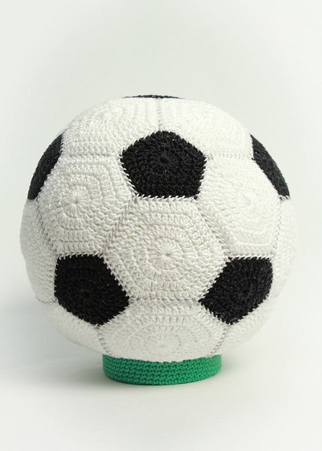 Handige Handjes Een Voetbal Spaarpot