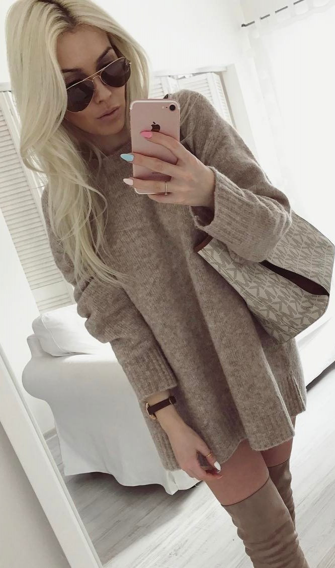 4a6adeb6b Outfits for Chic: 30+ Awesome Outfit Ideas On How To Wear Sweaters