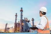 انخفاض وهبوط لاسعار النفط لليوم الثالث على التوالى