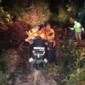 Terjebak Di Dalam Lumpur, Driver Go-Jek Di Evakuasi Tim Basarnas Pekanbaru