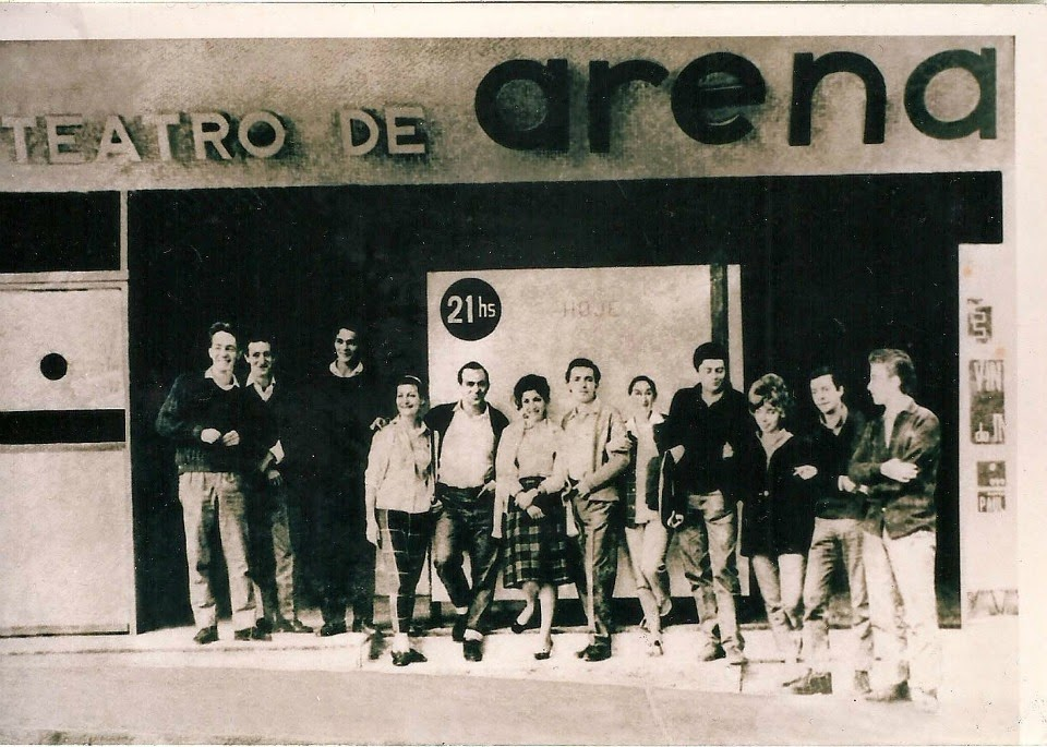 2a085c671a9b7 A consolidação da chamada sociedade de massa no Brasil trouxe consigo a  expansão dos meios de comunicação