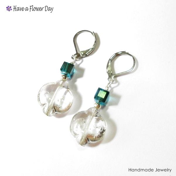BLUE SEA. Pendientes con cuentas de cristal  · Crystal beads earrings