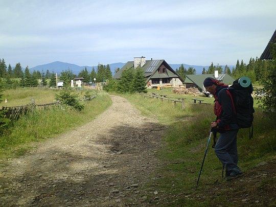 Stare Wierchy - polana ze schroniskiem PTTK (973 m n.p.m.).