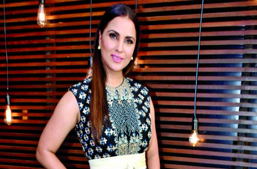 lara-dutta-actress-started-drowning-in-water-akshay-kumar-save-her-life