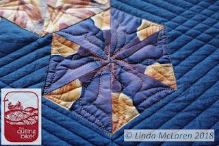 Modern Mini swap quilt closeup quilting