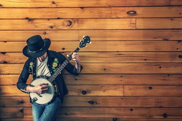 Mendengarkan musik merupakan salah satu bentuk kegiatan yang melibatkan seluruh cuilan ot 15 Manfaat Penting Mendengarkan Musik untuk Kesehatan