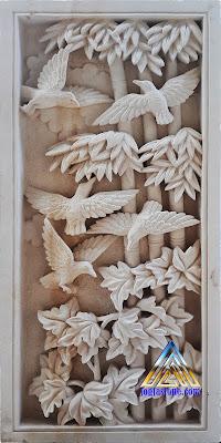 Ukiran relief batu alam (batu putih) gambar burung