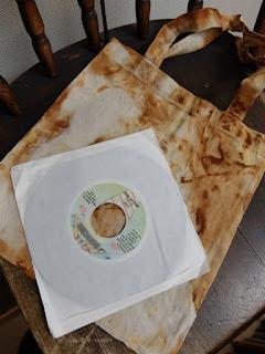 手作り 7インチレコードバッグ 錆加工の写真です。