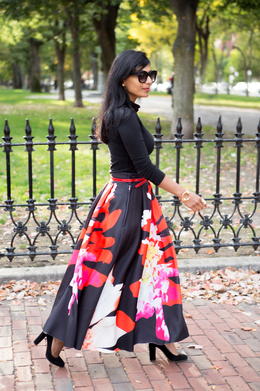 READY FOR HOLIDAY PARTIES – FLORAL PARTY SKIRT.  . party outfit 5a36358e1