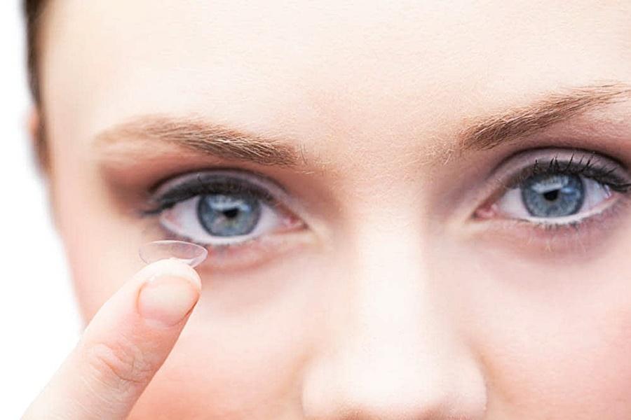 Dicas de maquiagem e cuidados para quem usa lentes de contato!