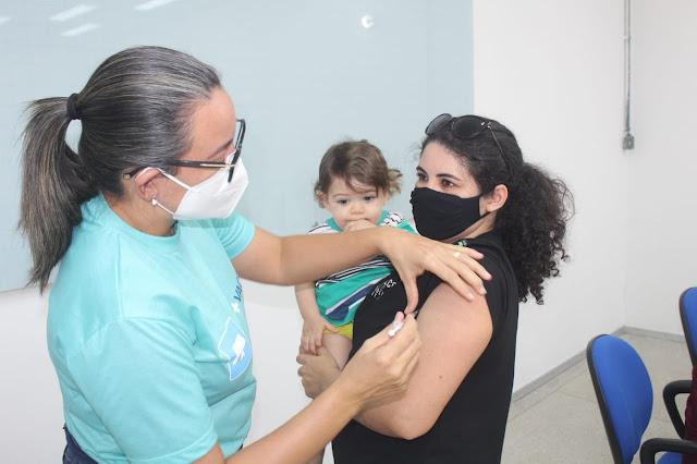 Profissionais da Ufersa Caraúbas recebem primeira dose da vacina contra Covid-19