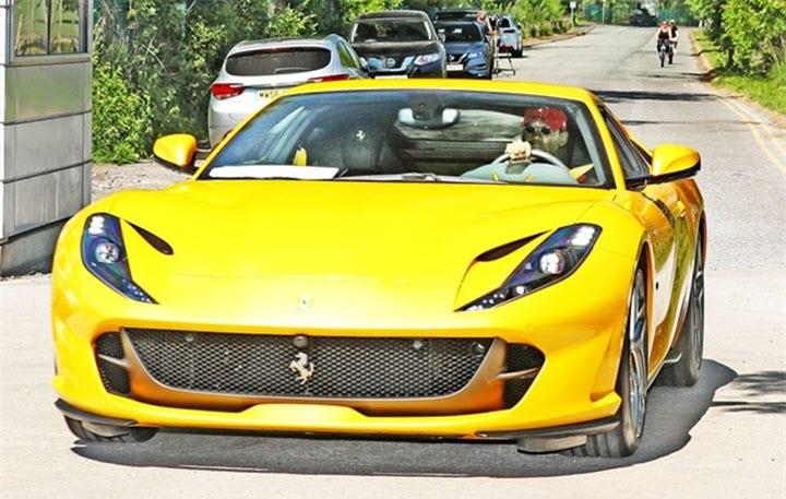 Bộ sưu tập xe sang trị giá gần 2 triệu USD của Paul Pogba