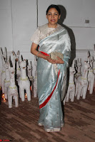 Sonam Kapoor Soha Ali Khan Konkona Sharma at Raw Mango store launch March 2017 036.JPG