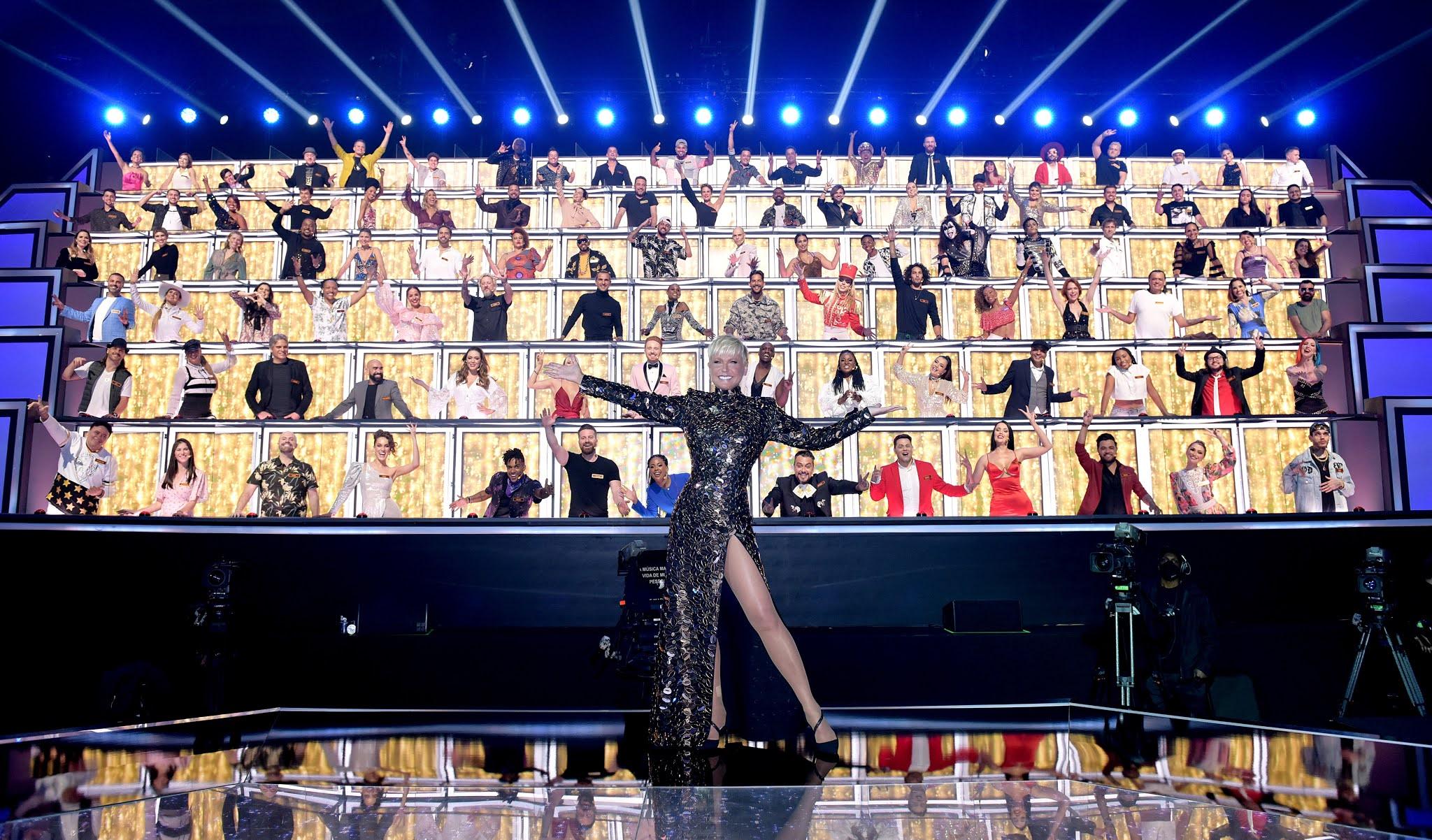 Xuxa Meneghel e os jurados no palco do Canta Comigo All Stars (Blad Meneghel/Record TV)