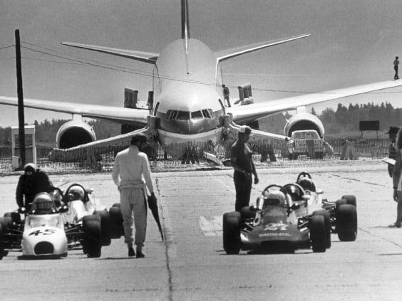 The Gimli Glider - A Plane That Ran Out Of Fuel At An Altitude Of 41,000 Feet