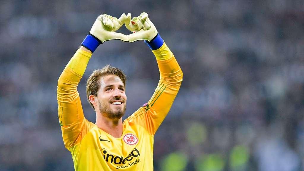 Eintracht Frankfurt Permanenkan Kevin Trapp dari PSG