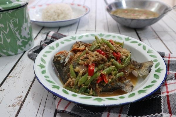 Resep Ikan Goreng Kuah Buncis Tauco