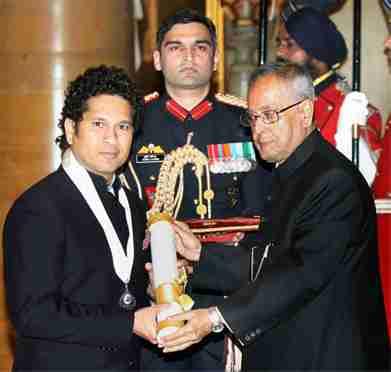 Sachin Tendulkar receiving Bharat Ratna
