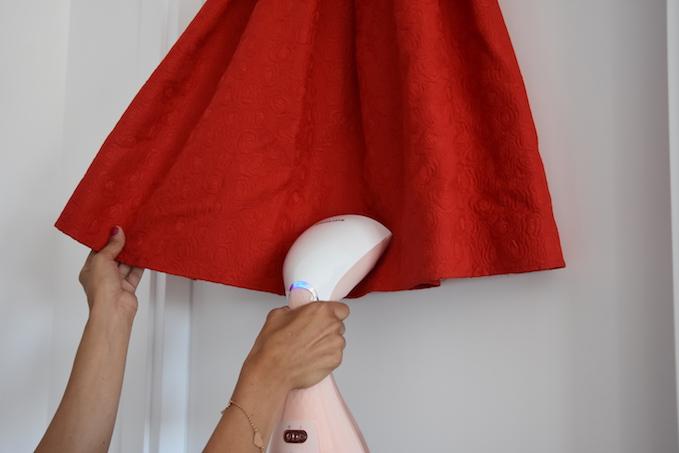 Come eliminare le pieghe in pochi minuti: la mia esperienza con il ferro da stiro verticale Style Touch