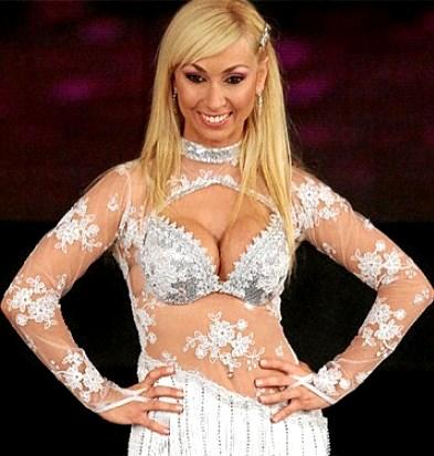 Foto de Belén Estévez con traje de bailarina