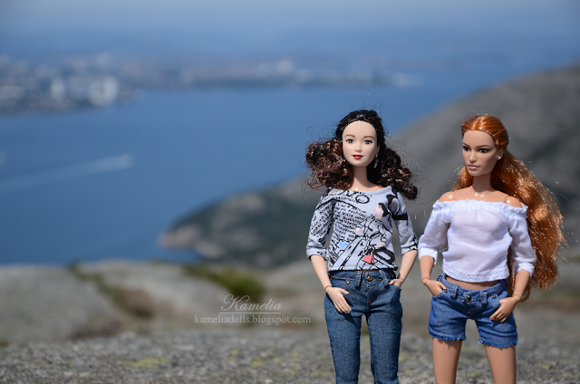 Denim clothes for made to move Barbie