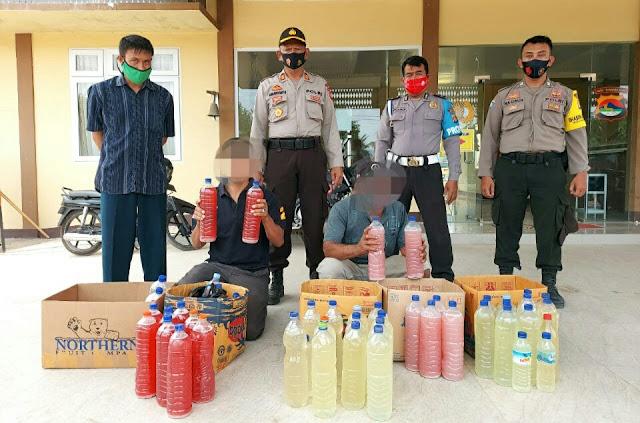 Polisi amankan puluhan botol tuak 'merah putih' di Pringgabaya