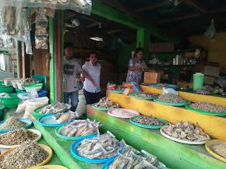 """alt=""""pasar ikan malabro"""""""