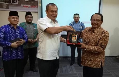 Blitar Kagumi Kerukunan Umat Beragama di Padang