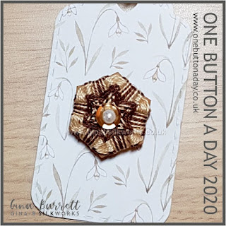 Day 319 : Spangled - One Button a day 2020 by Gina Barrett