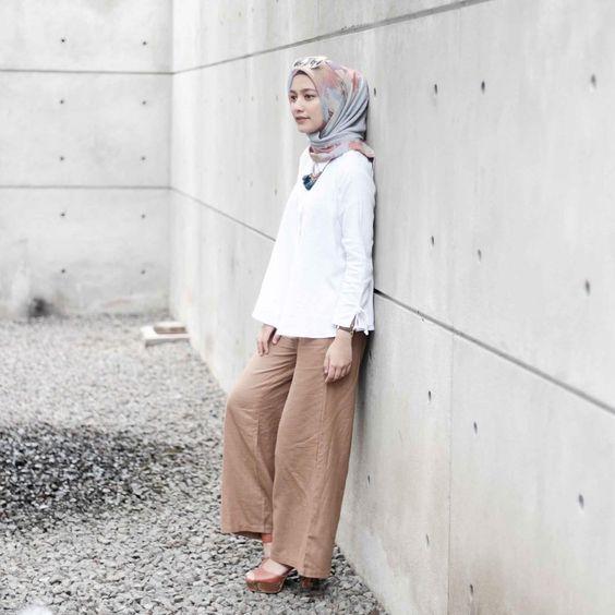 Une allure féminine élancée avec ce pantalon large aux couleurs noires pour  femme en hijab , mode 2018