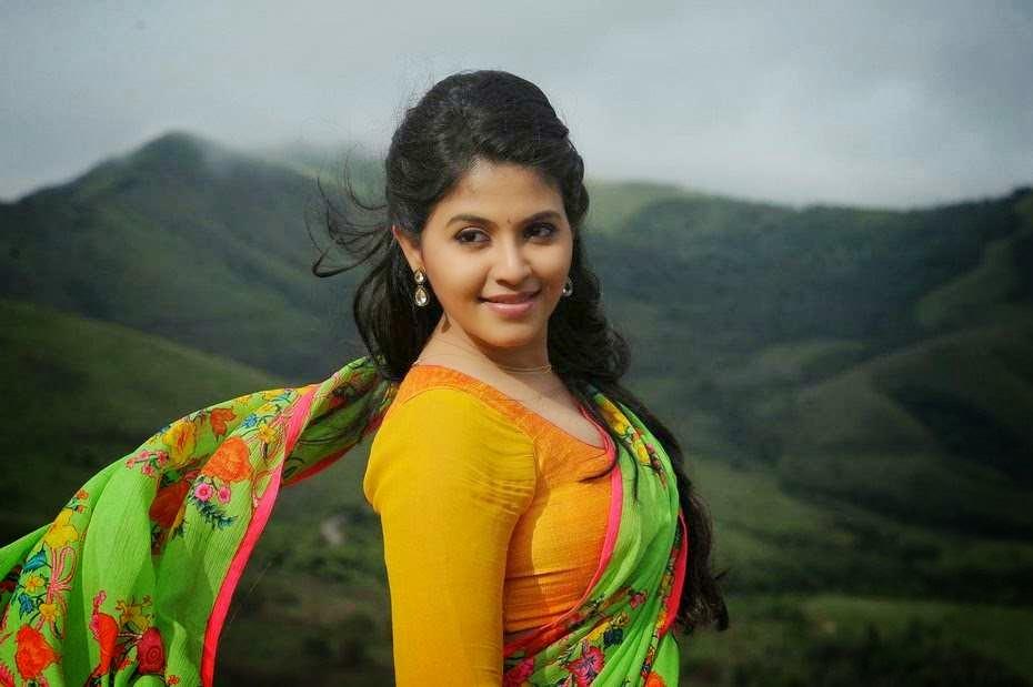Actor Anjali Photos: Actress Anjali Latest Hot Saree Photos