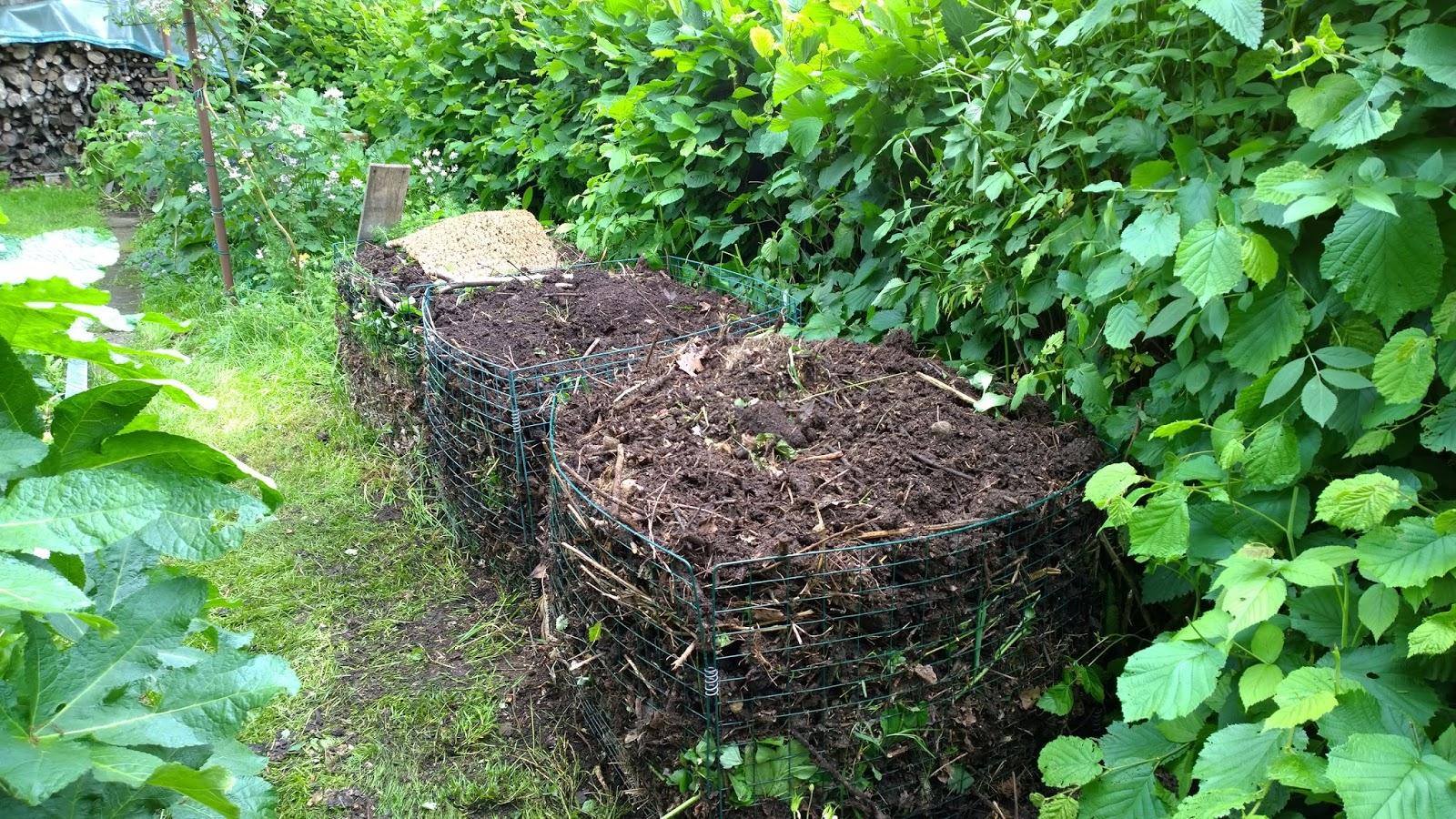achimsgarten der selbstversorger und garten blog heute habe ich kompost umgeschichtet. Black Bedroom Furniture Sets. Home Design Ideas