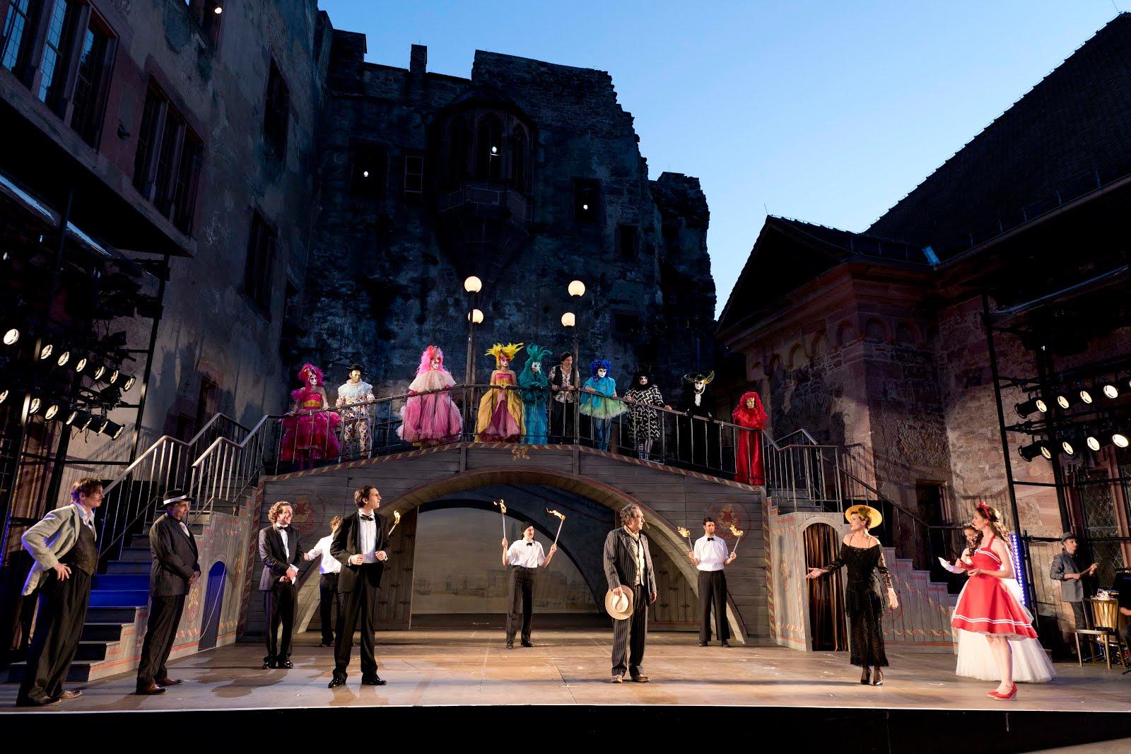 Das Goldoni-Ensemble der Heidelberger Schlossfestpiele