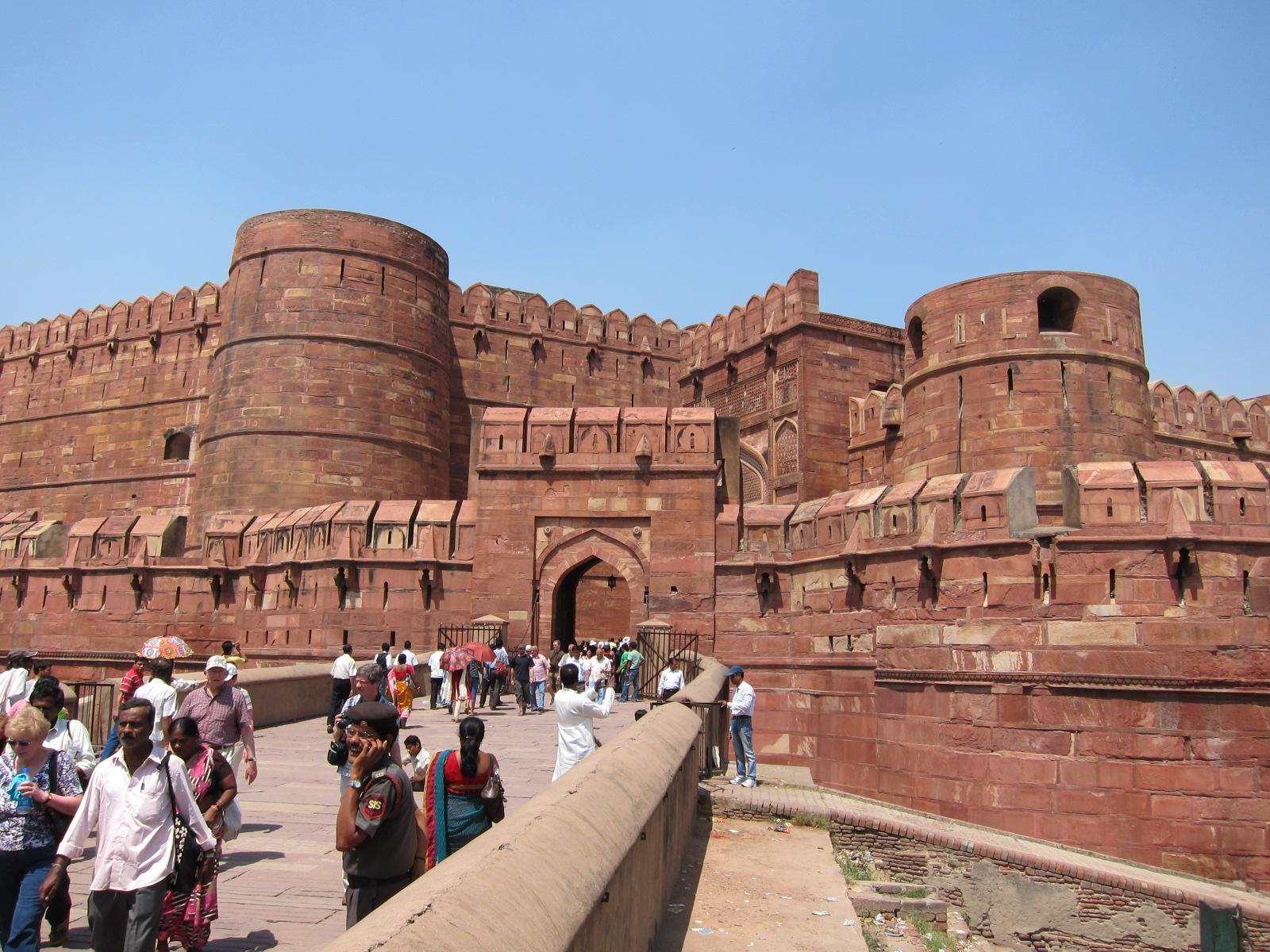 Rock Around the Globe: India - Khajuraho/Agra