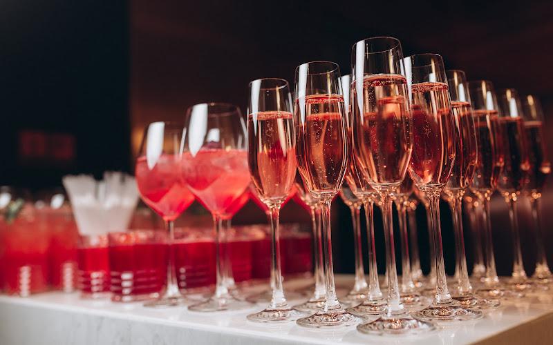 розовые коктейли и напитки