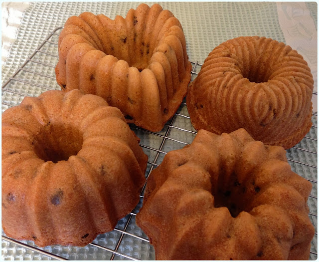 Farmhouse Fruit Bundt Cakes