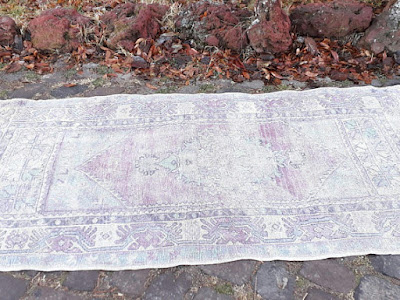 il_570xN.1367637418_q8x7 Antique Rugs That Are Essential For Existence Interior