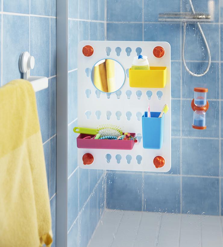 panel de plástico con ventosa para el baño infantil.