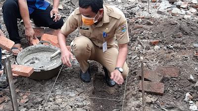Plt Camat Sepatan Timur Laksanakan Peletakan Batu Pertama Bedah Rumah Di Desa Gempol Sari