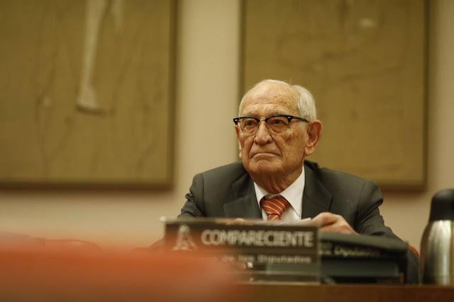 El exdirector del Banco de España culpa a políticos y reguladores de la crisis
