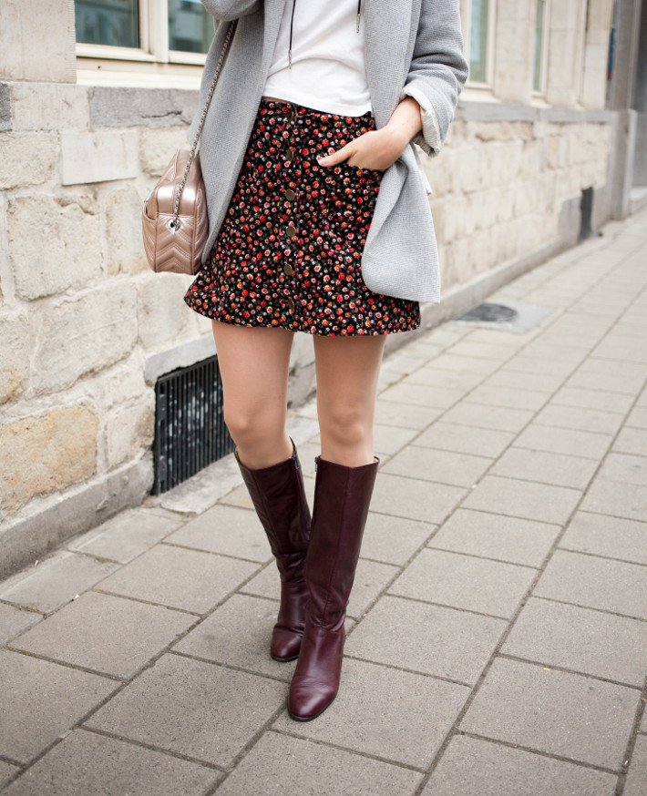 outfit: vintage knee high boots, oversized blazer, mini skirt