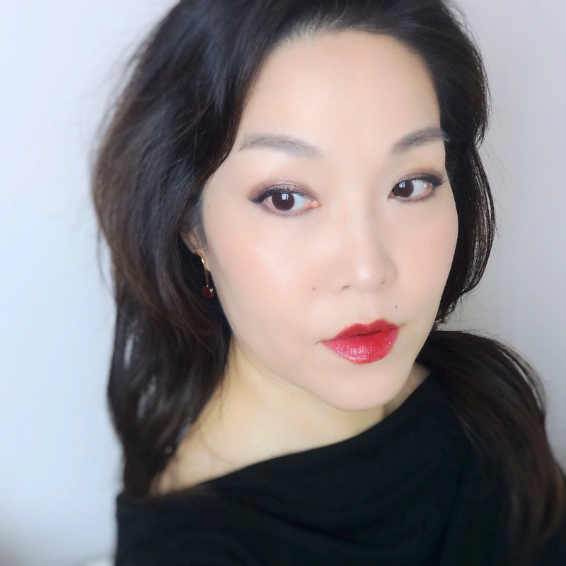 New Year's glam makeup look