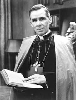 Le Vénérable Mgr Fulton Sheen : Premier télé-évangéliste catholique - Béatification reportée !!! Mgr-Fulton-Sheen