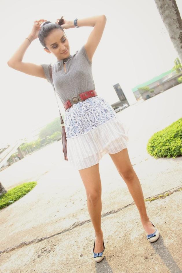look do dia, blog de moda, fashion blog, estampa azulejo português, camiseta cinza, vestido c&a, cinto khelf, tendência