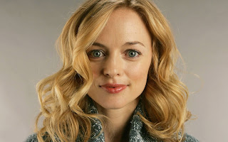 Heather Graham Looks So Sweet In Curly Hairs