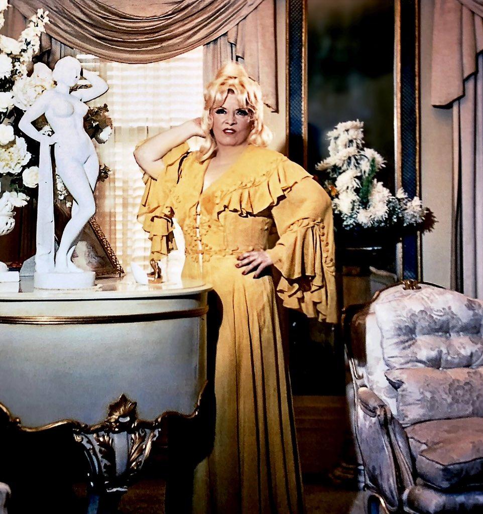 Mae West 2020